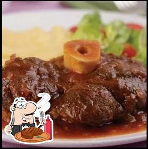 Rancho da Viola provê refeições de carne