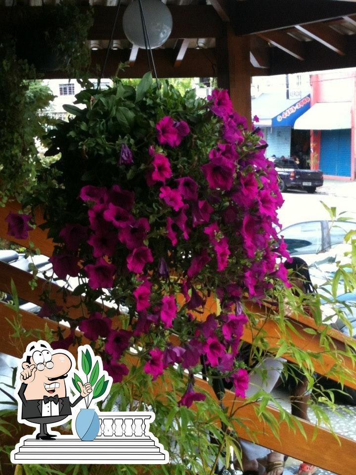 o exterior é uma característica importante do Restaurante Oasis
