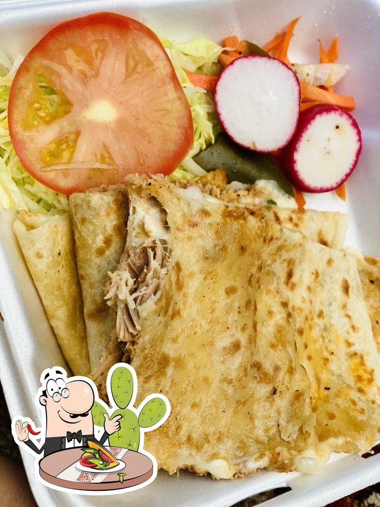 Comida en Tacos El Milagro
