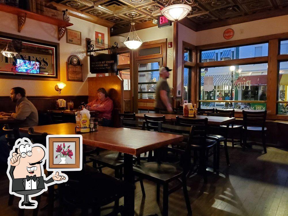 The interior of Huron Street Pub & Grill