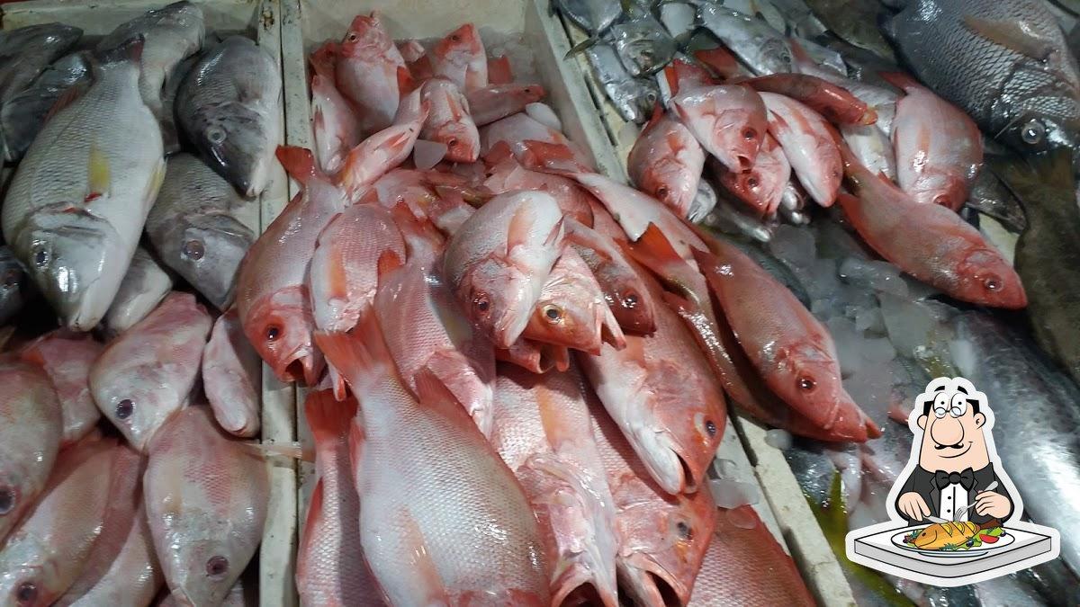 Warung Makan De 5 serves a menu for seafood lovers