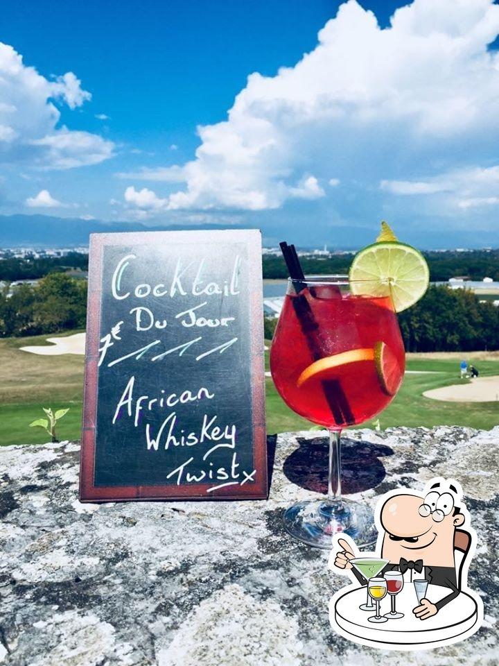 Choisissez à partir d'une sélection de boissons à LE VINGT - le 20 restaurant du Golf de Bossey