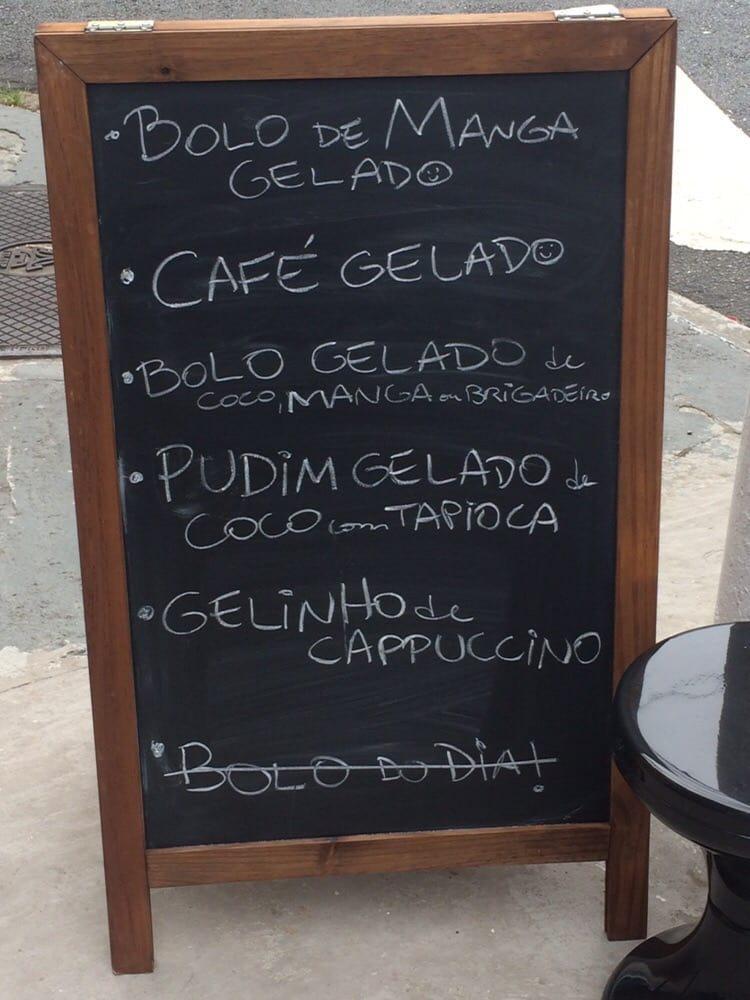 Experimente os pratos do dia do menu do quadro negro