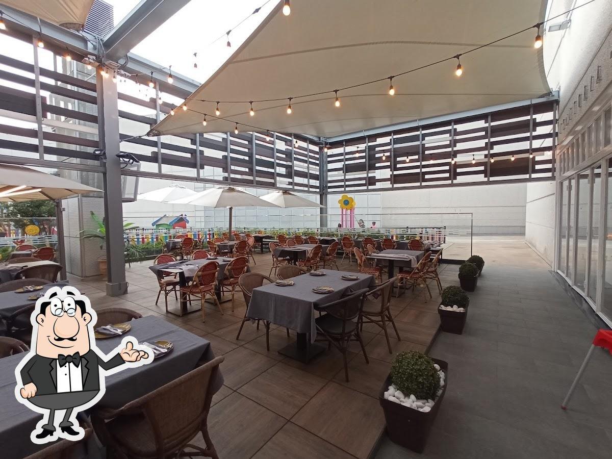 El interior de La Burratina Trattoria Pizzería